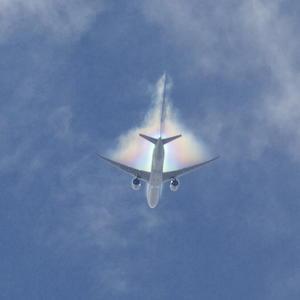 台風来襲が、伊丹空港14(ワンフォー)運用と虹色ベイパーの原因!? - Air Born Japan 日本の空を、楽しもう!