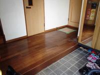 玄関ホールの床がフワフワへこむようになりましたシロアリ対策と床のカバー工法でリフォームしました - 快適!! 奥沢リフォームなび