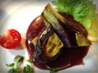 茄子の重ね焼き ラズベリーソース - ナチュラル キッチン せさみ & ヒーリングルーム セサミ
