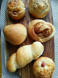 色々パンの朝ごぱん - 料理研究家ブログ行長万里  日本全国 美味しい話