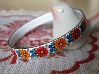 エナメル製の花柄バングル -  Der Liebling ~蚤の市フリークの雑貨手帖2冊目~