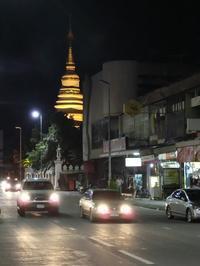 夜のチェンマイ - イ課長ブログ