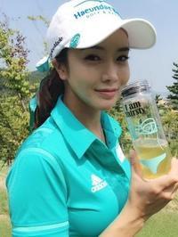 アイドル顔負けの美貌と妖艶さで大注目美人ゴルフ選手アン・シネ。ユチョンの元カノ?整形中毒?豊胸?ユイと親睦が - 韓国芸能人の紹介 整形 ・ 韓国美人の秘訣       TOP