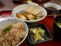 (金沢・金沢駅)黒百合のおでん定食 - 松下ルミコと見る景色