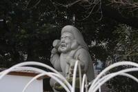 神田明神のアイドルたち ヒョウキンそうな大黒様 少し強面の獅子 何か頂戴している女の子 - 設計事務所 arkilab
