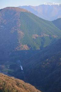 山に追いやられる~SL津和野稲成号~ - 夕暮れと蒸気をおいかけて・・・
