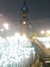 雨に濡れる夜の明洞聖堂も素敵でした - 札幌で白磁に簡単絵付け Ky's gallery  ポーセラーツ 日記