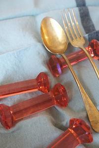 フランス ブロカントピンクガラス カトラリーレスト入荷しました。 - かわいい暮らしに寄り添う雑貨*フランスと世界の雑貨 Darunのブログ
