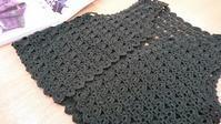軽やかなかぎ針編みのベスト@お客様作品 - 空色テーブル  編み物レッスン