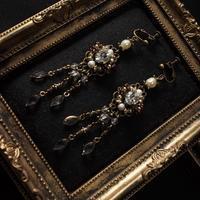 クラシカルシャンデリアイヤリング〈金古美クリスタル〉 - Labra ~stones and beads~