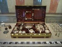 「ホスピタリティー」の起源 - 「言葉×香り」のアロマセラピー瑠璃色の庭
