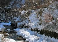 光る雪と小川の光 - ゆる鉄DEイコー!