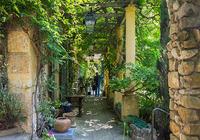 《ベストシーズンのフランス庭園巡り》(5/30-6/7)から 「クロ・ド・ペイロネ庭園」 - ルドゥーテのバラの庭のブログ