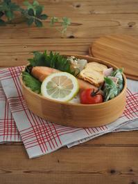 焼き鮭弁当 (料理・お弁当部門) - Delicatusib