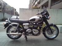 トライアンフボンネビルT100の詳細 - 60代も元気に楽しむバイクライフ