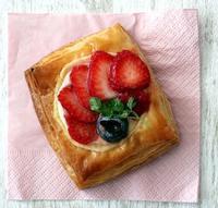 パン教室で「4種のデニッシュ」!いちごとキャラメルナッツ(パン・スイーツ部門) - Takacoco Kitchen