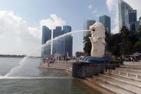 2014.2.15 シンガポール☆マーライオン - 青空に浮かぶ月を眺めながら
