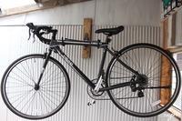 ロードバイクをDIYで小屋にかっこよく壁掛けスタンドディスプレイ♪ - neige+ 手作りのある暮らし