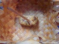 自宅使い食器収納用籠を編み始める - ロシアから白樺細工