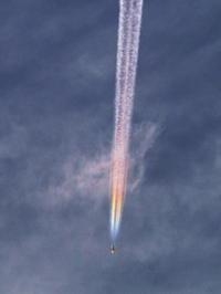 綺麗な飛行機雲が撮影できました - のんびりまったり写真館