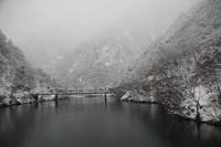 雪景「庄川峡」~秘湯大牧温泉への船旅~ - ~何でも揃う~本和堂雑多店(写真館)