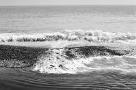 向春月 寫誌 ⑫モノクロフィルムで…波もついでに撮っちゃった - FOTOKOTO