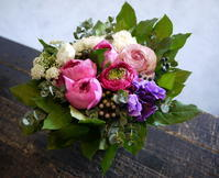 お誕生日の女性へアレンジメント。 - 札幌 花屋 meLL flowers
