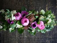 お誕生日に。「優雅な感じ」。豊平7条にお届け。ブリキコンテナアレンジメント。 - 札幌 花屋 meLL flowers