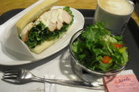caffe bene(カフェベネ)『ローストチキンのシーザーサラダサンド』 - My favorite things