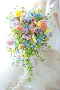 シャワーブーケ 幕張ホテルフランクス様へ   明日、待つ誰かの花に - 一会 ウエディングの花
