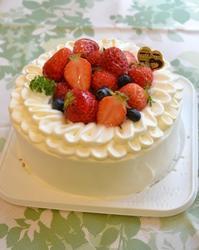 いちごのお祝いショートケーキ - 東京都調布市菊野台の手作りお菓子工房 アトリエタルトタタン