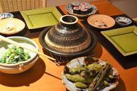 バジル風味のマリネ鶏とトマトの鍋/焼き空豆/ターサイの胡麻和え/ハタハタ寿し/鮪の巻き物 - まほろば日記