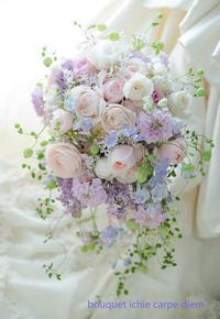 シャワーブーケ 東京ステーションホテル様へ 挙式直前、ご新郎様からのプレゼント - 一会 ウエディングの花