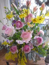 アレンジメント春のお花で。 - ブランシュのはなたち