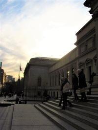 メトロポリタン美術館前の季節感 - NYからこんにちは