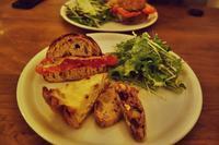 塩豚と白菜のキッシュ&トマトとペコリーノチーズのサンド@パーラー江古田 - LIFE IS DELICIOUS!