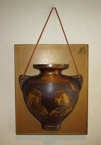 壁掛け花器「エジプトの2人の女性演奏家」 - 軍装品・アンティーク・雑貨 展示館