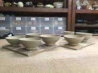 電動ロクロによる練込象嵌の碗、呉須などの青色を作成する - 皿 皿 碗 碗 ;週末陶芸 作陶(第6期)