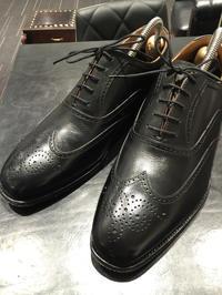 靴に締まりをもたらそう - R&Dシューケアショップ 玉川タカシマヤ本館4階紳士靴売場内