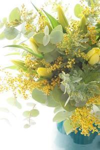 ブーケ専科、初級から中級へ。パリスタイルらしくなってきました - お花に囲まれて