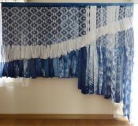 裂き織りウォールデコレーション「水の粒子」 - 手染めと糸のワークショップ