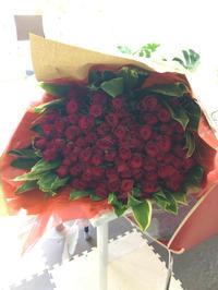 100本の薔薇の花束。 - 山梨県プリザーブドフラワー・レインボーローズ専門店『プリザーブドフラワーなないろ』