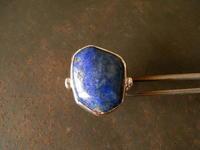 ラピスラズリリング - 石と銀の装身具
