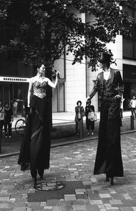 Street Performer - 心のカメラ   more tomorrow than today ...