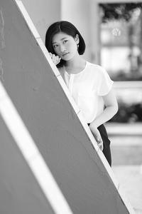 椎名紗彩ちゃん33 - モノクロポートレート写真館