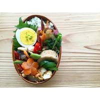鶏胸肉のガーリックサラダBENTO - Feeling Cuisine.com