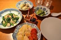 ターサイとエリンギの炒め物/鶏ささみのピカタ/牡蠣の酒蒸し/モロヘイヤスープ - まほろば日記