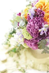 季節のお任せブーケが人気(アイロニー花deレッスン) - お花に囲まれて