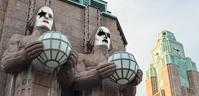 ヘルシンキ中央駅外壁の石像が、今月末KISSになる! - 帰ってきた、モンクアル?
