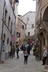 アンギアーリの村の見所は・・・ - フィレンツェ田舎生活便り2